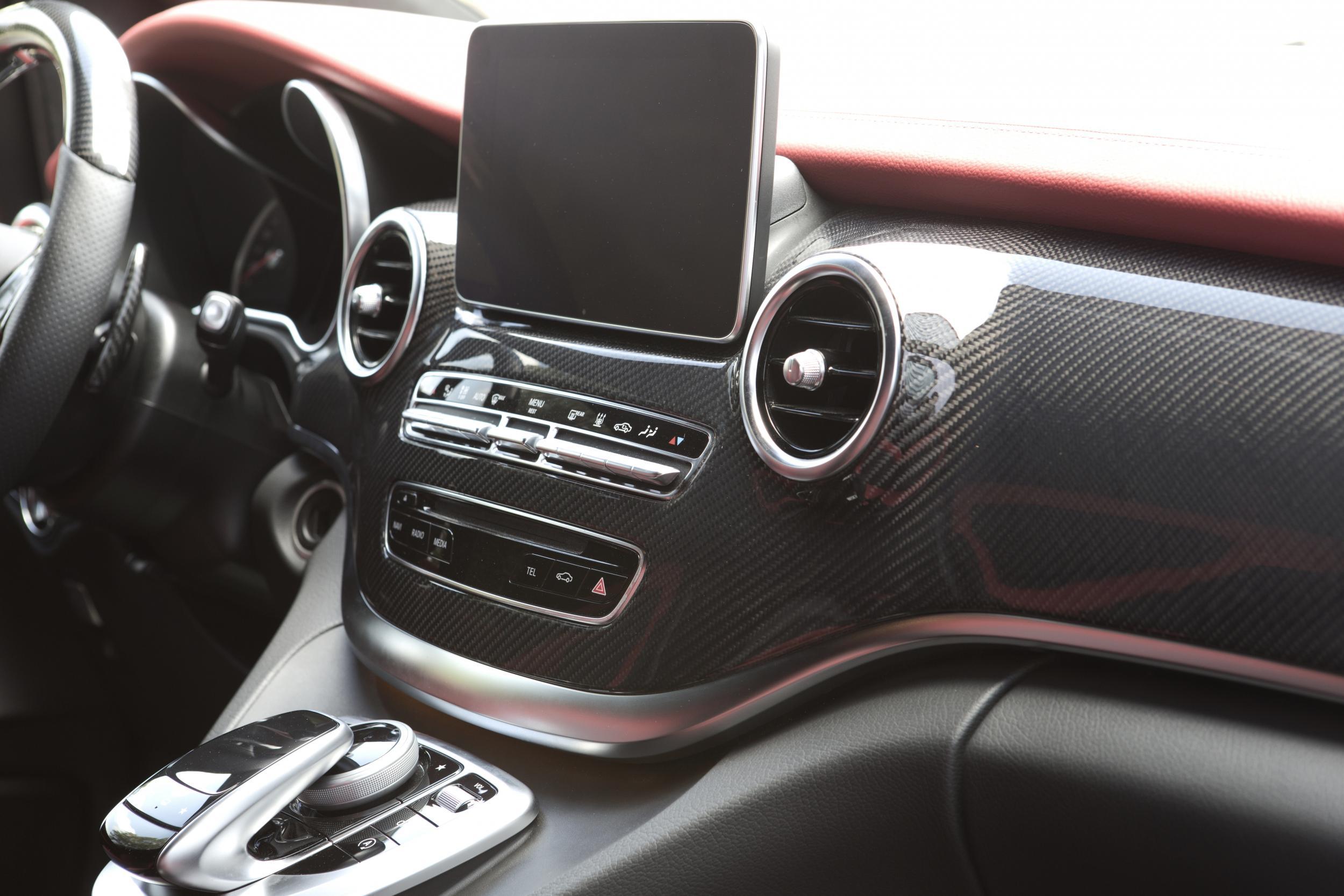 Mercedes tuning mercedes styling mercedes benz tuning v for Interieur v klasse